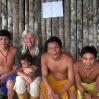Conversación con los caciques yanomami de Delgado Chalbaud sobre la ubicación y realización del proyecto.