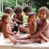 Niños yanomami de Ixima.