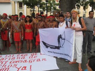Gemeinsam auf der Demonstration in Caracas