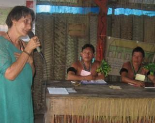 Anna ist eine langjährige Vertraute und Beraterin der Yanomami