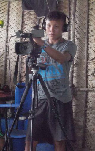Die Yanomami filmen ihre Versammlung