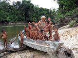 """Das Boot """"Marliese"""" konnte Dank der Aktion der Lehrerin Marliese Hirsch aus Böchingen angeschafft werden und wird bis heute für den Transport kranker Indianer genutzt."""