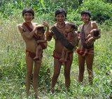Yanomami-Mütter in Haximu