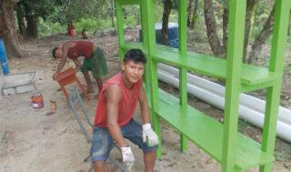 Regale werden von den Yanomami gestrichen